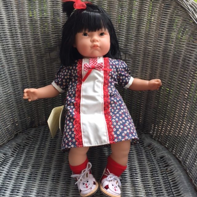 Europe Tai, vinyl doll