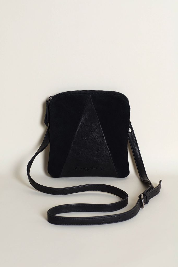 Australia Black Pocket Bag
