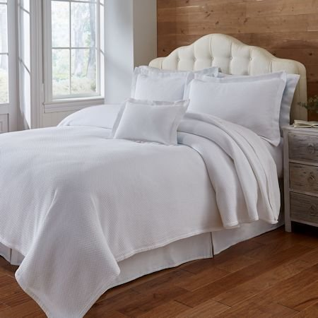 Traditions Coverlet Blair Matelasse