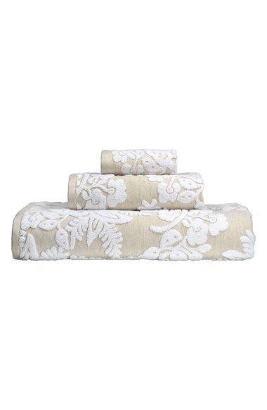 Pasak Jacquard Bath Towel Collection