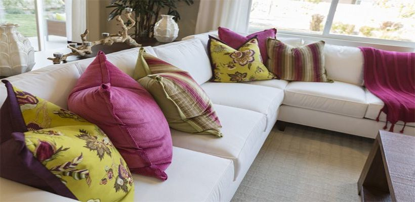 How To Decorate With Throw Pillows