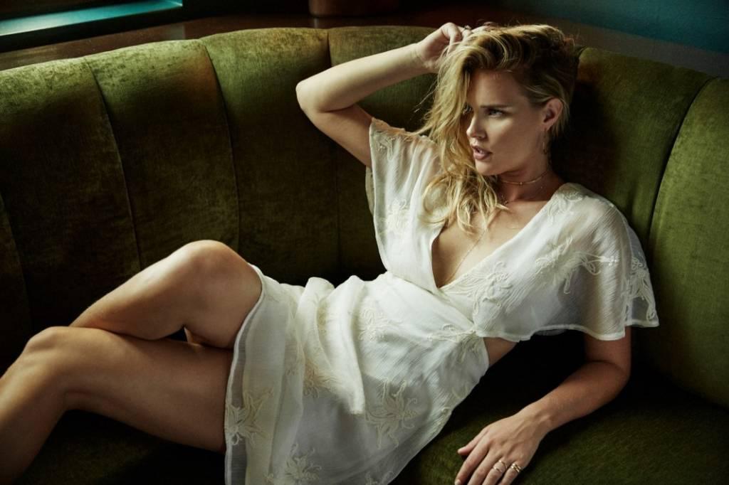 ASTR ASTR Nicolette Dress Ivory