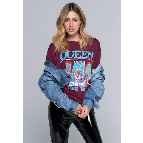 Daydreamer Queen Tour 80 Tee Burgundy