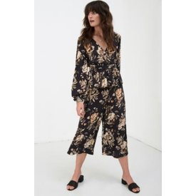 Spell and the Gypsy Collective Rosa Cropped Pants Coal