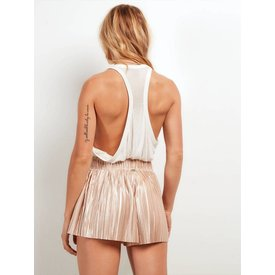Stone Row Just Pleat It Gold Short