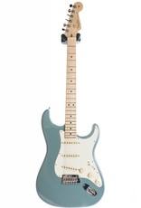 Fender Fender American Pro Stratocaster®, Maple Fingerboard, Sonic Gray