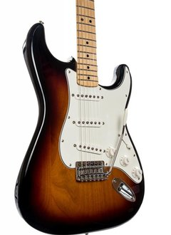 Fender Fender Standard Stratocaster®, Maple Fingerboard, Brown Sunburst
