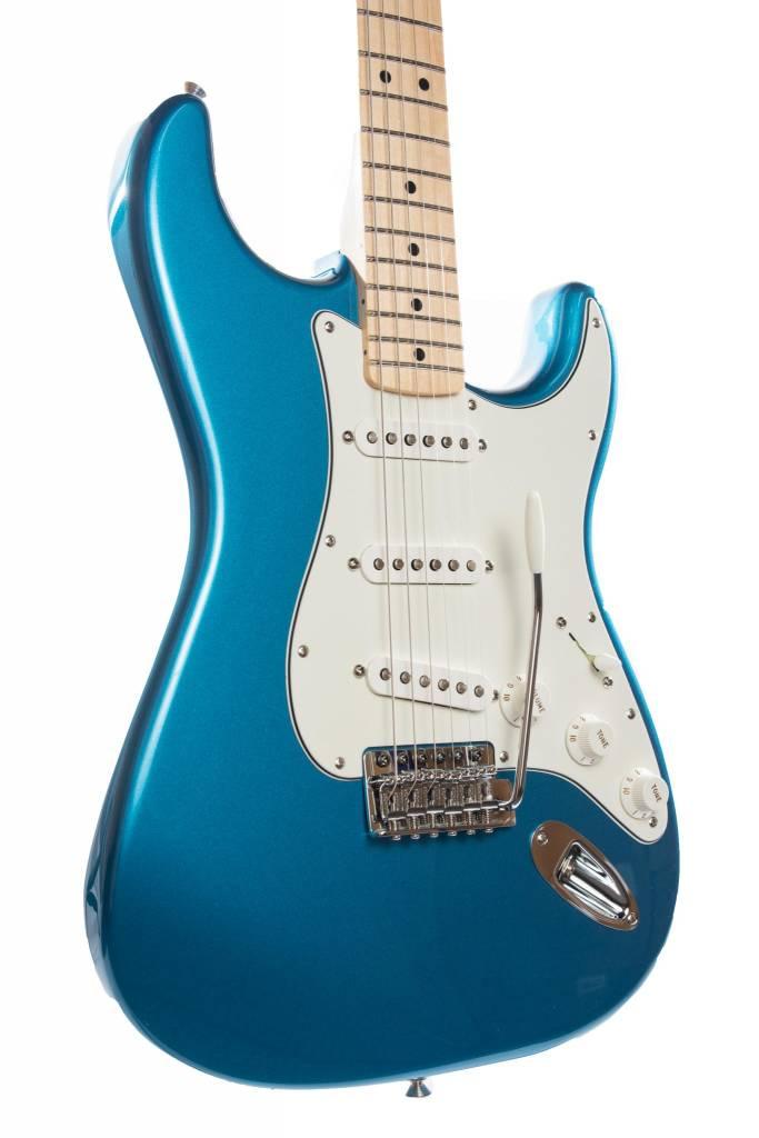 Fender Fender Standard Stratocaster®, Maple Fingerboard, Lake Placid Blue