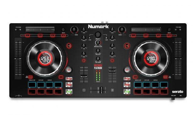 Numark Numark Mixtrack Platinum DJ Controller With Jog Wheel Displays
