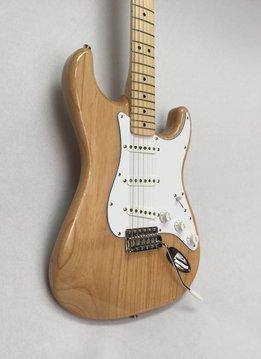 Fender Fender Classic Series '70s Stratocaster®, Maple Fingerboard, Natural