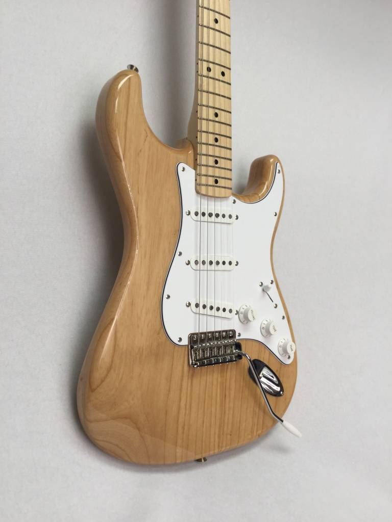 Fender Fender Classic Series '70s Stratocaster®, Maple Fingerboard, Natural