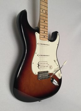 Fender Fender Standard Stratocaster® HSS, Maple Fingerboard, Brown Sunburst