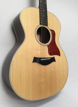Taylor Taylor 214e Deluxe w/ Hardshell Case