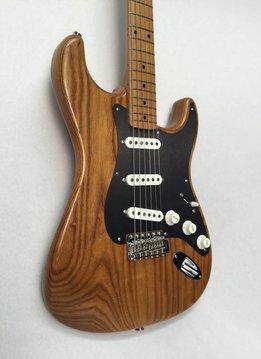 Fender Fender FSR Limited Edition '56 Stratocaster Maple, Roasted Ash Natural