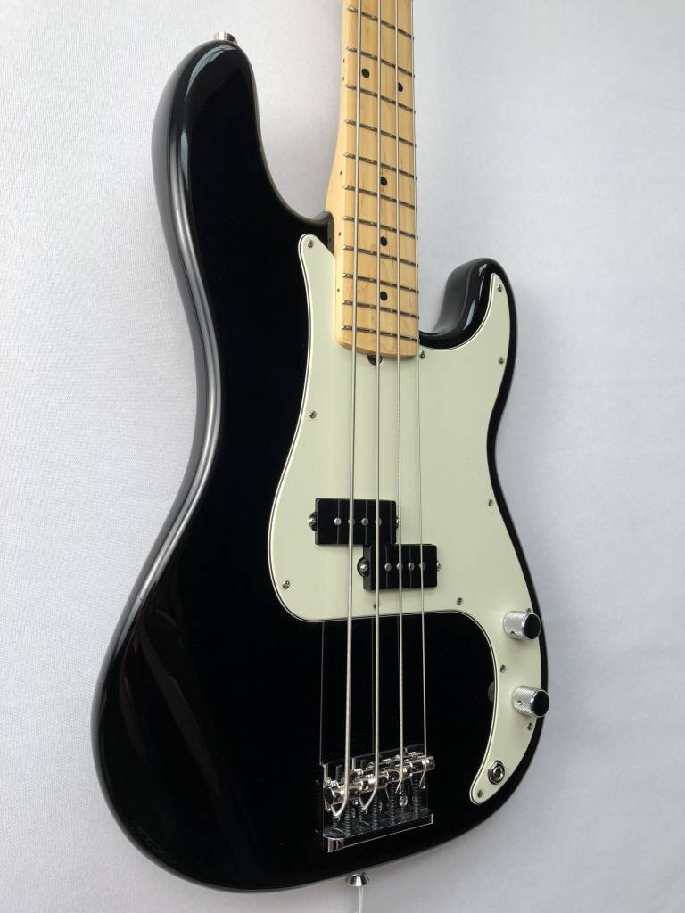 Fender Fender American Pro Precision Bass®, Maple Fingerboard, Black