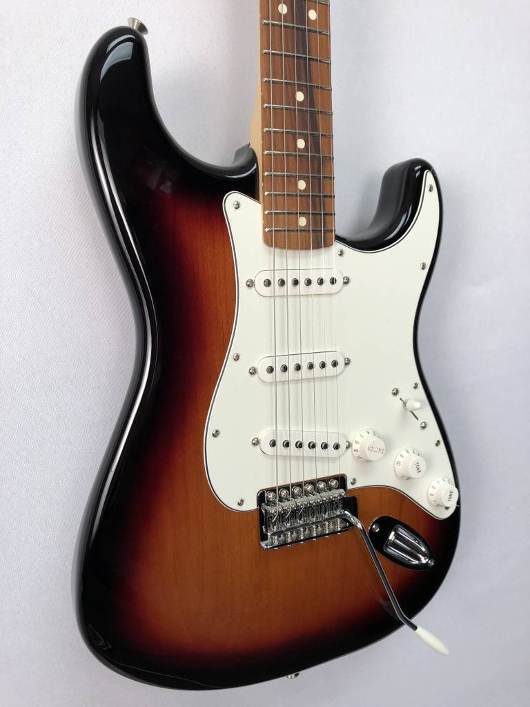 Fender Fender Standard Stratocaster®, Pau Ferro Fingerboard, Brown Sunburst