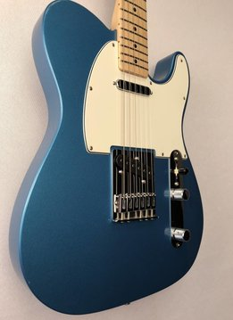 Fender Fender Standard Telecaster®, Maple Fingerboard, Lake Placid Blue