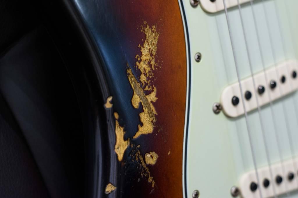 Fender Fender 2017 LTD NAMM 60 HR/CR Stratocaster, Aged 3-Tone Sunburst