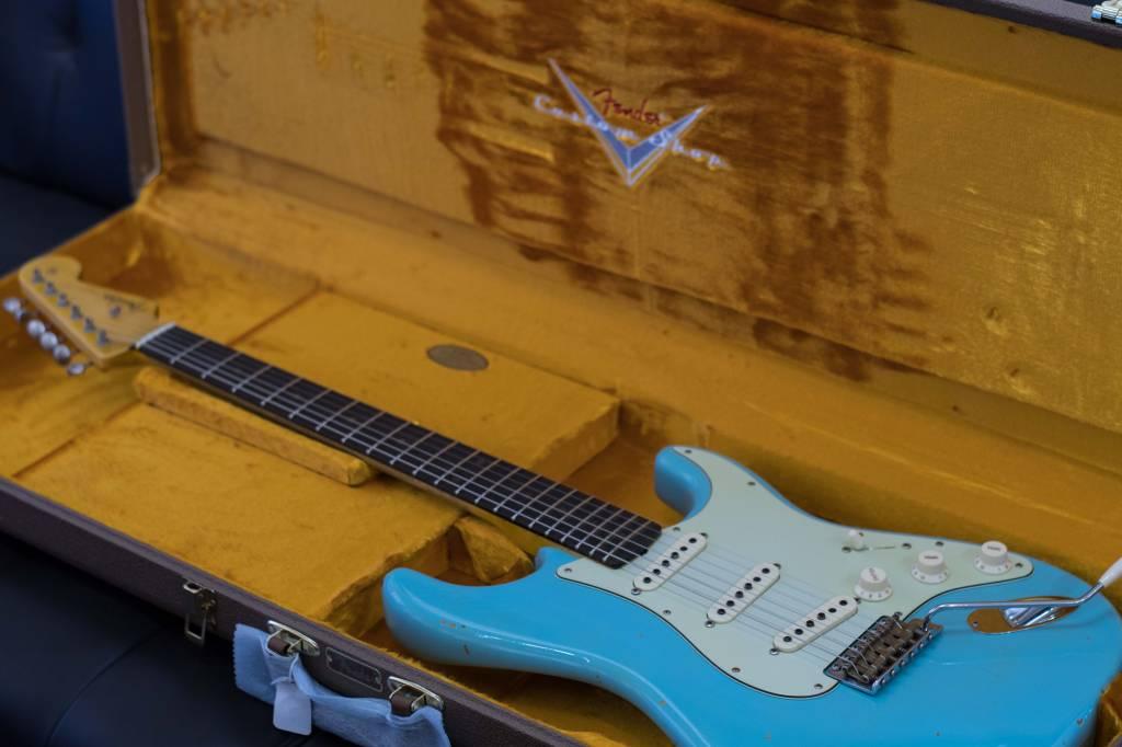 Fender Fender 1960 Relic® Stratocaster®, Rosewood Fingerboard, Aged Daphne Blue