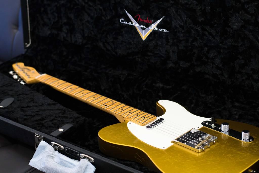 Fender Fender Prototype Postmodern Telecaster® Maple Neck, Lush Closet Classic, Frost Gold