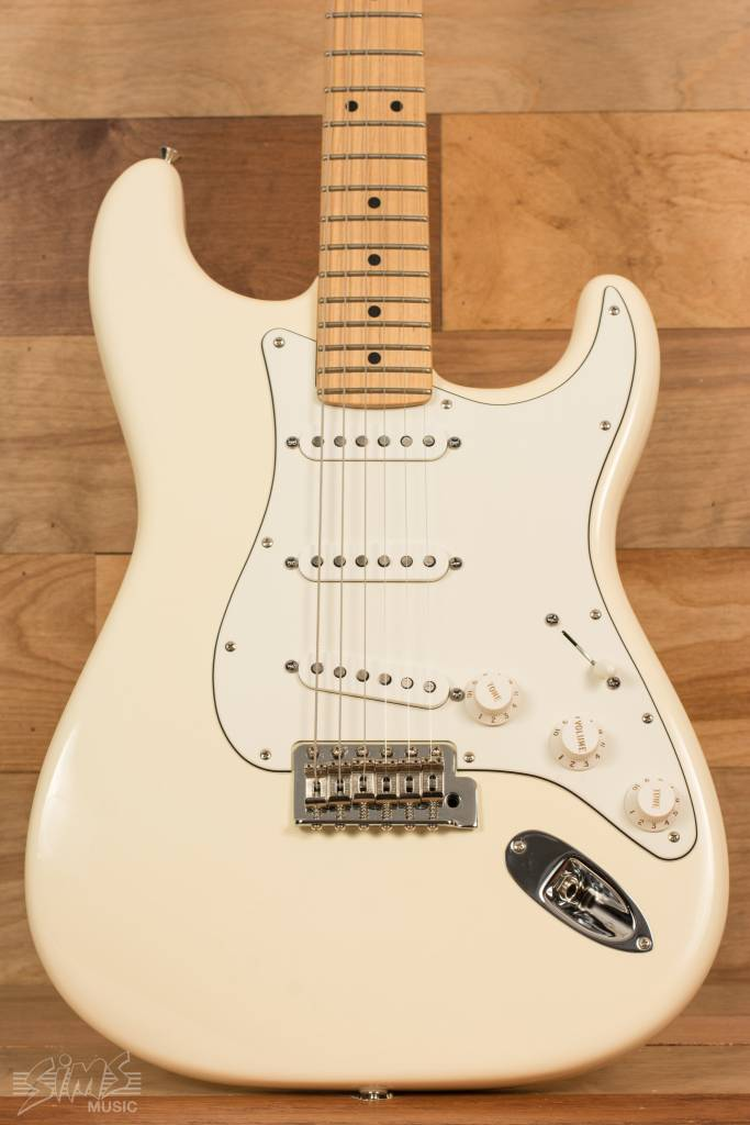Fender Fender American Special Stratocaster®, Maple Fingerboard, Olympic White