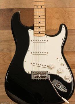 Fender Fender Standard Stratocaster®, Maple Fingerboard, Black