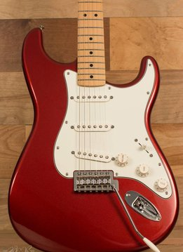 Fender Fender Standard Stratocaster® , Maple Fingerboard, Candy Apple Red