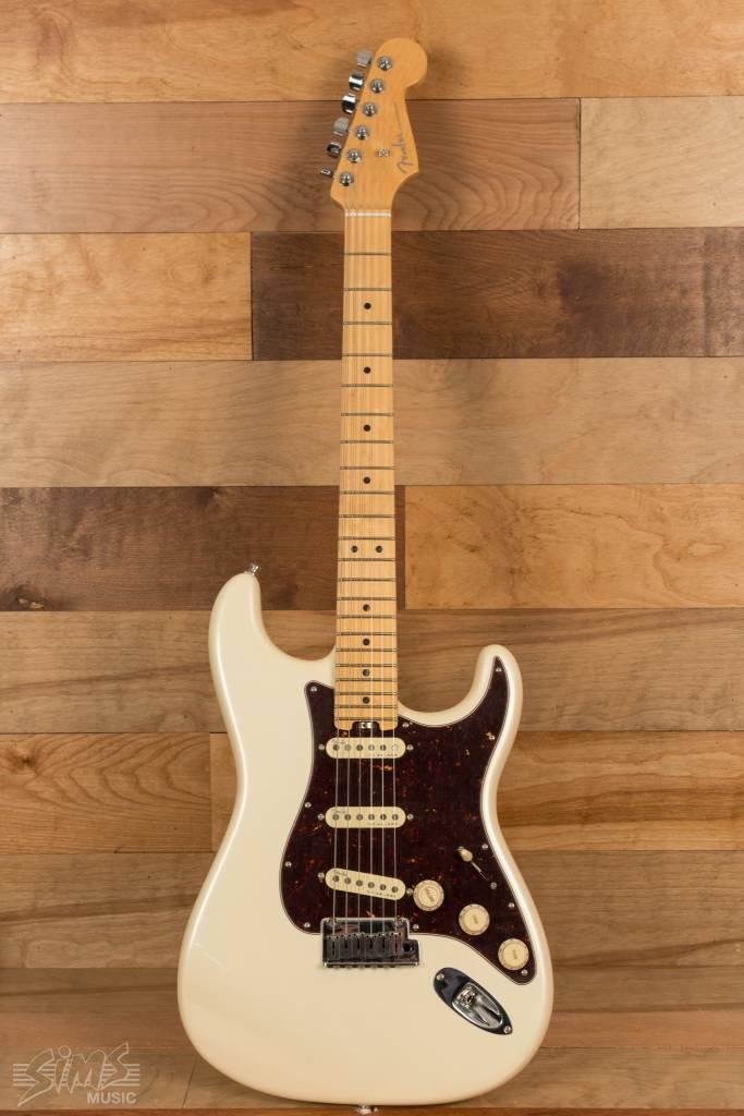 Fender Fender American Elite Stratocaster®, Maple Fingerboard, Olympic Pearl