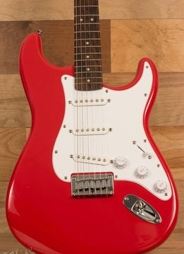 Squier Squier Bullet Stratocaster® Hard Tail, Rosewood Fingerboard, Fiesta  Red