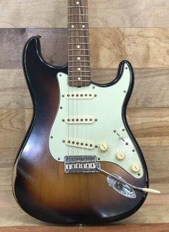 Fender Fender Road Worn® '60s Stratocaster®, Pau Ferro Fingerboard, 3-Color Sunburst