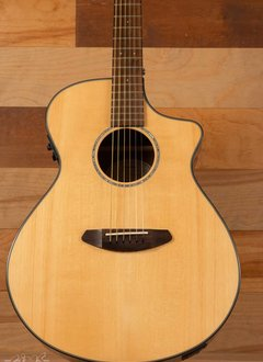 Breedlove Breedlove Pursuit Concert Striped Ebony Back/Sides w/ Bag