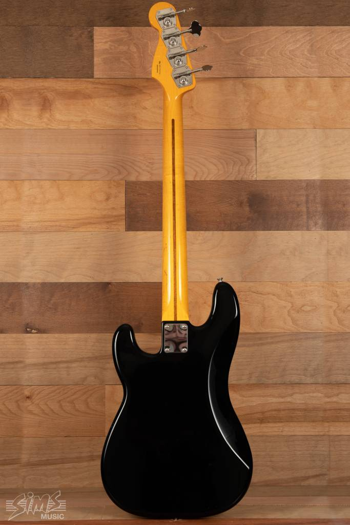 Fender Fender Classic Series '50s Precision Bass® Lacquer, Maple Fingerboard, Black