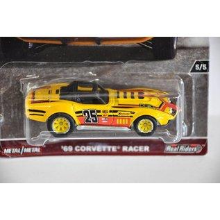 Hot Wheels Hot Wheels Car Culture Redliners 1969 Corvette Racer Yellow #25 1:64 Scale Diecast Model Car