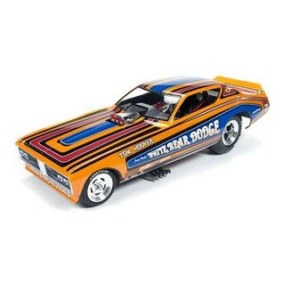Auto World Tom Hoover White Bear Dodge 1971 Dodge Charger F-C AW 1:18