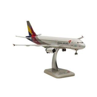 Hogan Wings Asiana Airlines Airbus A320 Hogan Wings 1:200 Plastic