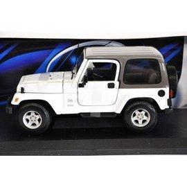 Maisto Jeep Wrangler Sahara White Maisto 1:18 Scale Diecast Car