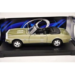 Maisto 1968 Chevy Camaro SS 396 Convertible - Green - Maisto - 1:18