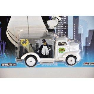 HW 1949 Ford COE The Penguin Batman Series 1:64