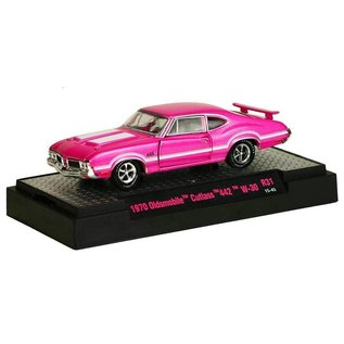M2 Machines M2 1970 Oldsmobile Cutlass 442 W-30 Pink Detroit Muscle 1:64 Scale Diecast Model Car