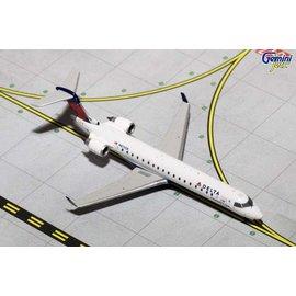 Gemini Jets Gemini Jets Delta Airlines Bombardier CRJ700 1:400 Scale Diecast Model Airplane