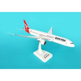 "Hogan Wings Hogan Wings Qantas Boeing B787-9 ""Spirit Of Australia"" 1:200 Scale Plastic Model Airplane"