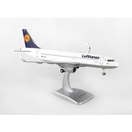 Hogan Wings Hogan Wings Lufthansa Airlines Airbus A320-200 1:200 Scale Plastic Model Airplane