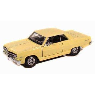 Maisto Maisto 1965 Chevrolet Malibu SS Yellow 1:24 Scale Diecast Model Car