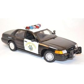 Motor Max Motor Max Ford Crown Victoria California Highway Patrol CHP 1:18 Scale Diecast Model Car