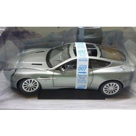 The Beanstalk Group The Beanstalk Group Aston Martin V12 Vanquish Silver James Bond 007 Die Another Day 1:18 Scale Diecast Model Car