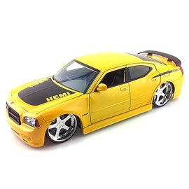 Jada Toys 2006 Dodge Charger R-T Yellow - Jada - 1:18 Scale Diecast Car
