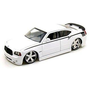 Jada Toys 2006 Dodge Charger SRT8 White Lopro Jada 1:18 Diecast