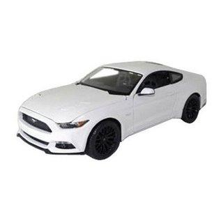 Maisto 2015 Ford Mustang White Maisto 1:18 Diecast