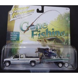 Johnny Lightning Johnny Lightning 2002 Chevrolet Silverado Silver With Boat & Trailer Gone Fishing 2017 Series Release 1 1:64 Scale Diecast Model Car Set