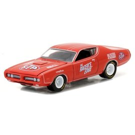 Greenlight Collectibles Greenlight 1971 Dodge Charger STP Running On Empty Series Release 1 1:64 Scale Diecast Model Car